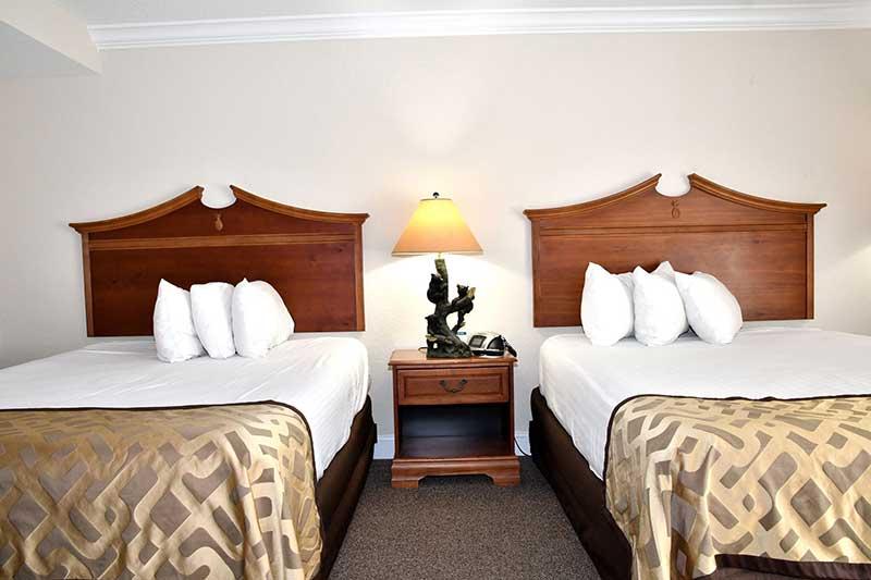 two queen beds in Gatlinburg TN hotel