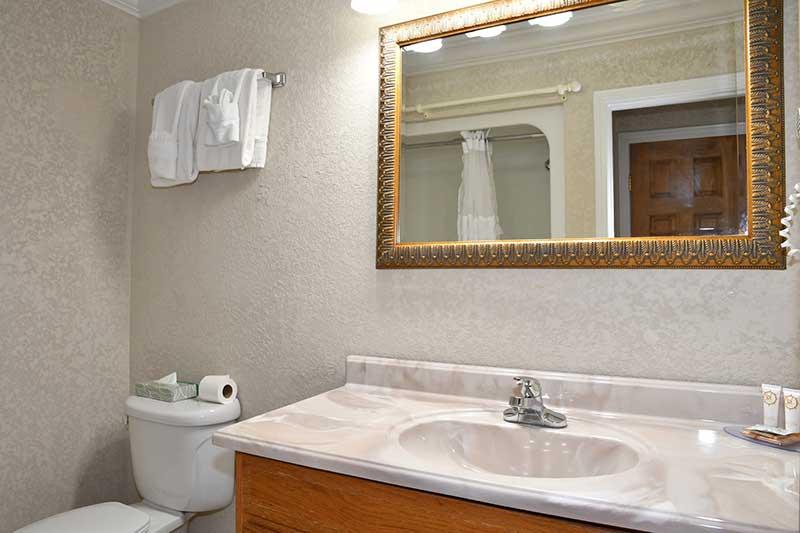 sparkling clean bathroom in hotel in Gatlinburg