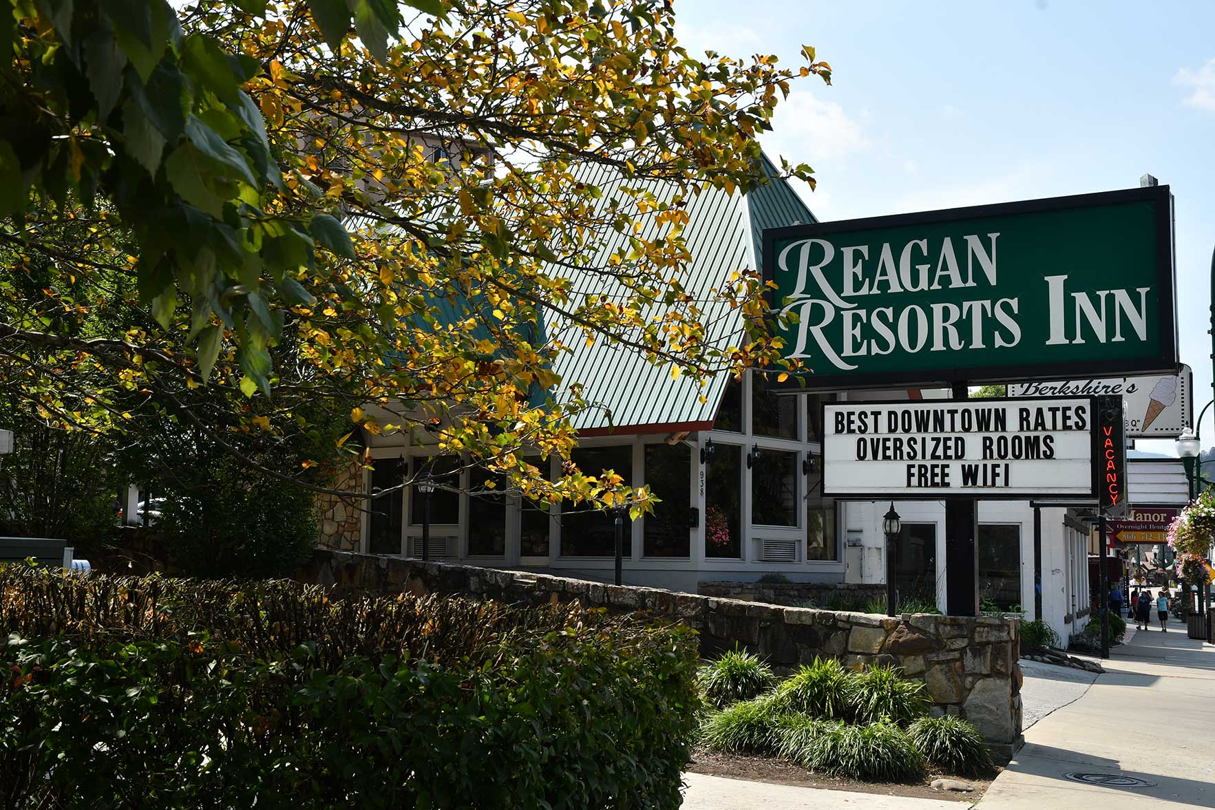 Reagan Resorts Inn in downtown Gatlinburg Tennessee